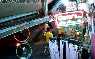 Video - Clip: 4 thanh niên táo tợn dàn cảnh trộm xe giữa phố Sài Gòn
