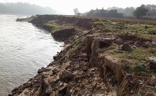 Chính trị - Xã hội - Nghệ An: Dân lo 'ngay ngáy' vì sông lấn... làng