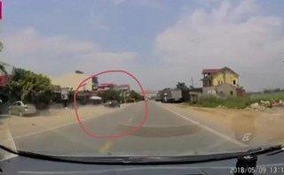 Xa lộ - Video: Thót tim xế hộp mất lái suýt gây tai nạn trên quốc lộ