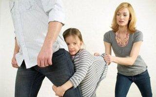 Đời sống - Cha mẹ ly hôn và nỗi đau con trẻ