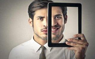 Gia đình - Sự hai mặt của một con người bắt đầu được hình thành từ khi nào?