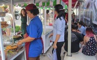 Đời sống - Người tham gia kinh doanh ở phố hàng rong TP.HCM không bị thu phí