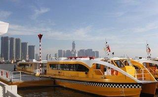Xã hội - TP.HCM: Buýt sông chính thức đón khách, người dân nô nức đi thử
