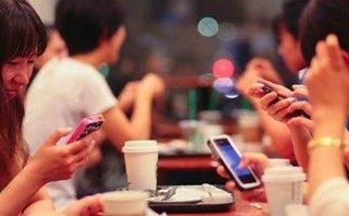Đời sống - Thói quen ăn uống của giới trẻ đang thay đổi vì smartphone?