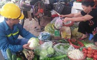 Gia đình - Ảnh hưởng áp thấp nhiệt đới: Mua rau còn đắt hơn cả mua thịt