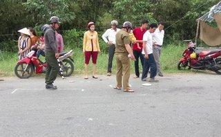 Tin nhanh - Cà Mau: Xe máy tông người đi bộ, 2 người bị thương nặng