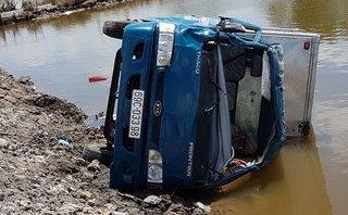 Tin nhanh - Vụ lật xe chở bia ở Cà Mau: 2 nạn nhân đã qua cơn nguy kịch
