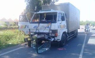 Tin nhanh - Xe tải lấn làn tông trực diện xe máy, nam thanh niên tử vong