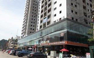 Chính trị - Xã hội - Quảng Ninh: Ái ngại chung cư trên đang thi công, dưới đã... buôn bán