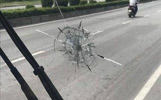 Pháp luật - Quảng Ninh: Xe khách giường nằm tiếp tục bị bắn vỡ kính