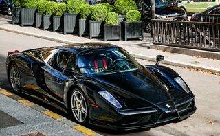"""Xe++ - """"Tóm gọn"""" siêu xe triệu đô hàng hiếm Ferrari Enzo trên phố"""