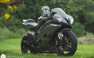 Thú chơi xe - Yamaha R6 lạ lẫm trong 'bộ cánh' lính đánh thuê