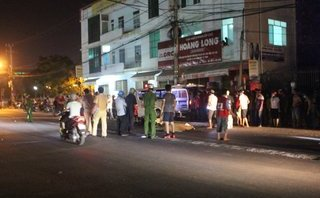 Chính trị - Xã hội - Ngã ra đường sau va chạm, một phụ nữ bị xe tải cán tử vong