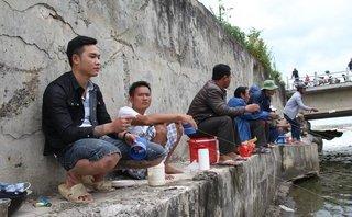 Mới- nóng - Clip: Độc đáo dùng bột mì câu vài kg cá mỗi ngày ở Đà Nẵng