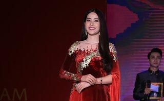 Giải trí - Vẻ đẹp Việt Nam 3: BST 'Sen vàng' tiếp tục tỏa sáng