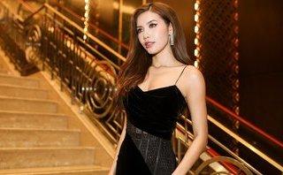Ngôi sao - Minh Tú gợi cảm hút hồn với trang phục tối giản