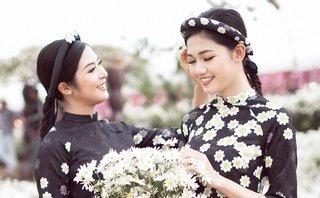 Ngôi sao - Hoa hậu Ngọc Hân, Á hậu Thanh Tú khoe sắc với cúc họa mi