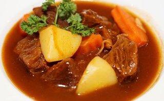 Đời sống - Món ngon mỗi ngày: 3 bước để có món thịt bò sốt vang khoai tây ngon tuyệt