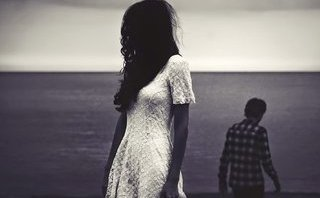 Tâm sự - Khi yêu, nếu ta thương họ quá họ sẽ làm khổ ta...