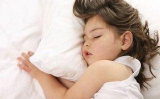 """Gia đình - """"Bật mí"""" những mẹo hay giúp bé ngủ sớm mỗi ngày"""