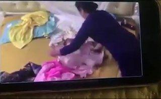 Cộng đồng mạng - Tôi đã khóc khi xem clip bé 2 tháng tuổi bị bạo hành