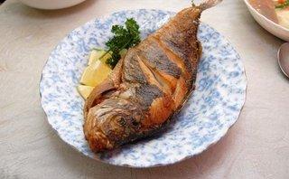 Gia đình - 7 mẹo nhỏ giúp bạn rán cá thơm giòn, không bị dính chảo