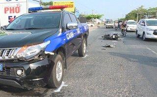 Tin nhanh - Xe gắn máy đối đầu xe Cảnh sát 113, đôi nam nữ bị thương nặng