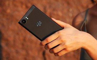Công nghệ - BlackBerry KeyOne Black Edition tại Việt Nam chỉ có 1 SIM