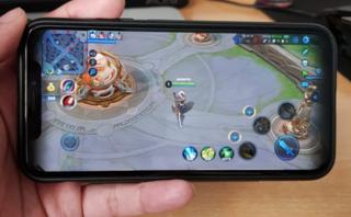 Công nghệ - Hạn chế lợi thế iPhone X, nhà phát hành game rốt ráo ra bản nâng cấp