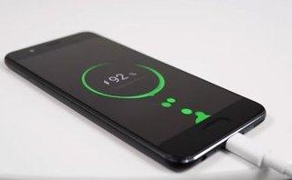 Cuộc sống số - Huawei giới thiệu công nghệ sạc 50% pin trong 5 phút