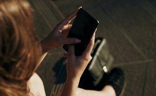 Cuộc sống số - Một phụ nữ cài mã độc theo dõi sau đó thuê sát thủ giết bạn trai