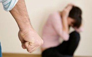 Đời sống - Tát vào mặt phụ nữ là cách hành xử của một kẻ nhiều tiền, thiếu não