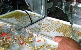 Pháp luật - Vợ đi bán vàng, lộ diện gã chồng 'siêu đạo chích'
