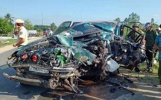 Chính trị - Xã hội - Đắk Lắk: Ô tô con va chạm xe tải, 3 người nguy kịch