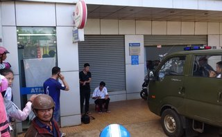Pháp luật - Bắt giữ đối tượng đục phá trụ ATM của ngân hàng để cướp tiền