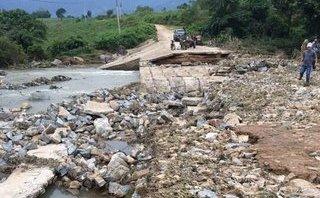 Tin nhanh - Đắk Lắk: Mưa lớn nhiều ngày, 4 thôn, buôn bị cô lập