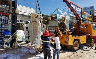 Tin nhanh - Lâm Đồng: Tai nạn thảm khốc, 5 người tử vong