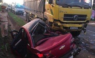 Tin nhanh - Đắk Lắk: Ô tô con đối đầu xe tải, 4 người thương vong