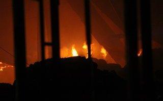 Chính trị - Xã hội - TP.HCM: Cháy lớn ở công ty may, nhiều tài sản bị thiêu rụi