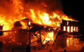 Tin nhanh - Cháy nhà trọ, hai bà cháu chết thảm, 3 người khác bị thương