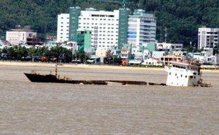 Xã hội - Khẩn cấp hút dầu từ tàu chìm, cứu môi trường