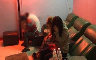 An ninh - Hình sự - TP.HCM: Đột kích cơ sở massage kích dục giá 500.000 đồng