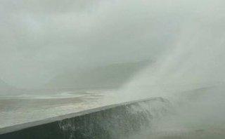 """Video - Toàn cảnh """"siêu bão"""" khi đổ bộ vào miền Trung"""