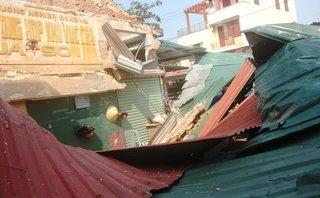 Tin nhanh - Quảng Bình: 2 người bị thương nặng do sập chợ