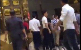 An ninh - Hình sự - Mất điện thoại tại karaoke, nhóm thanh niên cầm hung khí đánh nhân viên