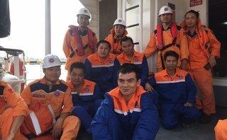 Xã hội - Tàu chở than 4.700 tấn bị chìm, 12 thuyền viên rơi xuống biển
