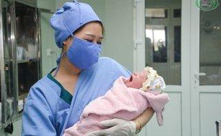 Xã hội - Cháu bé thụ tinh trong ống nghiệm đầu tiên ở Nghệ An