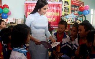 Giáo dục - Hoa hậu Ngọc Hân tham gia trao tặng tủ sách nhân ái tại Nghệ An