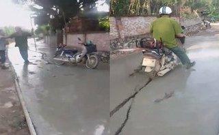 Công dân mạng - Bị ngăn cản lao vào đường đang đổ bê tông, người đàn ông đòi đánh công an