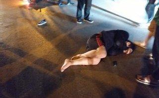 Tin nhanh - Một người gãy chân, một người bất tỉnh sau khi va chạm trực diện taxi